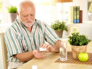 Для борьбы с ревматоидным артритом назначают лекарства