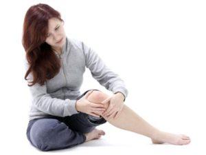 Чаще всего развивается деформирующий артроз коленей