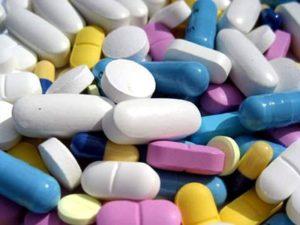 Только врач поможет назначить препараты для профилактики остеопорозе