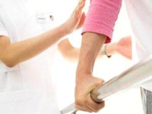 Есть пять основных принципов реабилитации после операции грыжи позвоночника