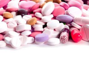 Применение таблеток с капсулами при медикаментозном лечение грудного остеохондроза