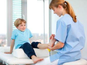 Как проявляется ювенильный ревматоидный артрит у детей