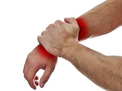 Артрит лучезапястного сустава: причины, симптомы, лечение...