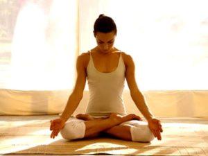 Советы по применению йоги при грыжи шейного отдела